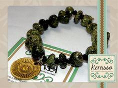 Pulsera con piedras semipreciosas y dije dorado.  #KerussoBisuteria #Design #Jewelry #HandMade #CostaRica