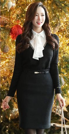 StyleOnme_Gold Buckle Belted Wool Pencil Skirt #black #pencilskirt #elegant #pretty #feminine #officelook #christmas  #winterfashion #kstyle #seoul #koreanfashion #workwear