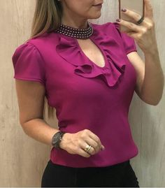 Women's Over 50 Fashion Picture Ideas - Unity Fashion Blouse Styles, Blouse Designs, Blouse Dress, Ruffle Blouse, Hijab Fashion, Fashion Dresses, Fashion Fashion, Womens Fashion, Fashion Clothes