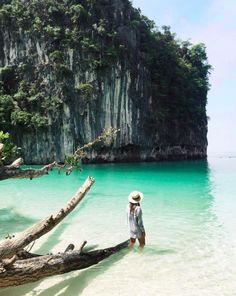 beautiful landscape, sea, girl, hat