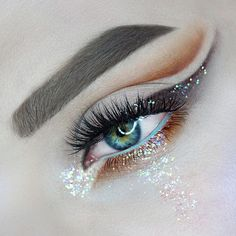 ✨ Glitter tears because this look is just too good  by @ultraviolentmakeup featuring our #BoudoirLashes ⭐️ Repost: Workin on my lash focus  @houseoflashes Boudoir  @meltcosmetics rust stack  @nyxcosmetics milk + @sugarpill x @kimchi_chic for waterline  @litcosmetics Barbie shops  @anastasiabeverlyhills @norvina taupe dipbrow  some @smithcosmetics brushes  #houseoflashes #lashgamestrong #lashes #glittermakeup #cutcrease #wingedliner