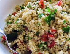 Quinoa con cebolla, tomates secos y berenjena