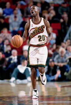 Who the hell knows what Gary Payton was yelling out during this Seattle Supersonics moment
