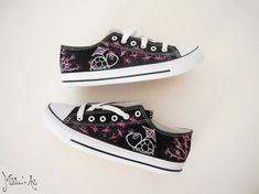 Personalized shoes / Animal painted shoes - Turtle shoes / Japanese style - Sakura and Origami theme / Black