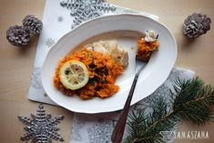Greek-style fish is another dish after red borscht, which cannot be missing on many Christmas tables. It can be prepared from cod, panga, hake or other fish fillets. It is easy to prepare and tastes great!