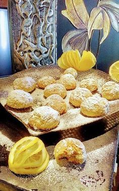 Κουλουράκια-μπισκοτάκια λεμονιού !!! ~ ΜΑΓΕΙΡΙΚΗ ΚΑΙ ΣΥΝΤΑΓΕΣ 2 Greek Recipes, Chocolate Cake, Biscuits, French Toast, Sweets, Cookies, Bread, Breakfast, Desserts