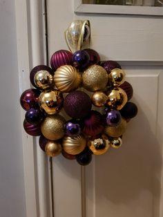 Diy baubles wreath