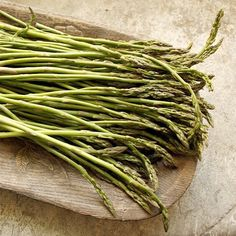 Wild asparagus season is here #italy #foodie #abruzzo