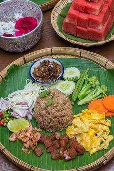 Clean Recipes, Healthy Recipes, Eat Thai, Thai Street Food, Food Packaging Design, Food Goals, Asian Cooking, Food Plating, Food Presentation
