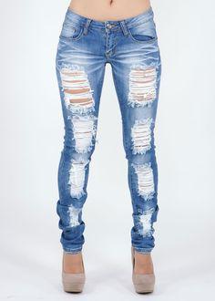 Destroyed Skinny Jeans w nude heels