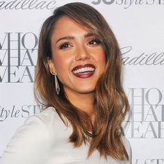 Jessica Alba Everything is right about this picture. Jessica Alba's chocolate and caramel hair color perfectly complements her olive skin. To copy, ask your colorist to weave a mix of warm highlights and lowlights through hair.