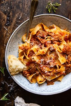 Slow Cooker Italian Beef Ragu - Restaurant quality Italian beef ragu made easily in your slow cooker! Beef Pasta, Pot Pasta, Pasta Dishes, Slow Cooker Italian Beef, Slow Cooked Beef, Beef Ragu Slow Cooker, Slow Cooker Pasta, Italian Cooking, Slow Cooker Recipes