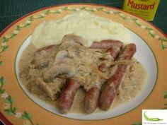 Salchichas guisadas con salsa de mostaza