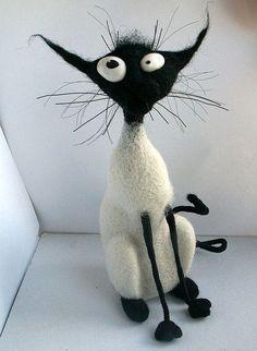 Игрушки животные, ручной работы. Ярмарка Мастеров - ручная работа коша из серии Признаки кошкости, этот продан ,но могу повторить. Handmade.... #feltedcat
