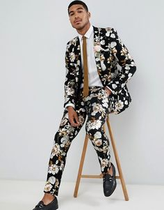 Browse online for the newest ASOS DESIGN wedding skinny suit jacket in black foil floral print styles. Shop easier with ASOS' multiple payments and return options (Ts&Cs apply). Casual Outfits For Teens, Business Casual Outfits, Business Suits, Men's Suits, Blue Suits, Groom Suits, Pink Suit, Floral Suit Men, Estilo Floral