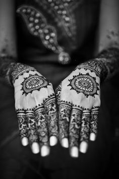 Light nails with the dark henna makes for a beautiful combination--remember for the future!