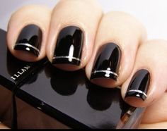 Dark nails are everything.