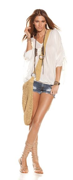 ♥ wish I could pull of these shorts.... Next summer when I'm not preggo