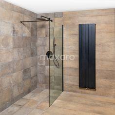 Douchewand met zwarte bevestiging, zwarte regendouche, zwarte handdouche en inbouwkraan. Zwarte radiator. Bathtub, Bathroom, Room Ideas, Tips, Standing Bath, Bath Room, Bath Tub, Bathrooms, Bathtubs