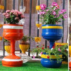 Plastic Bottle Planter, Plastic Bottle Art, Reuse Plastic Bottles, Recycled Bottles, Flower Planters, Garden Planters, Planter Pots, House Plants Decor, Plant Decor