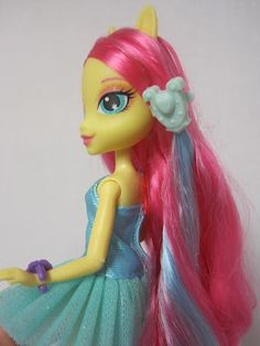 Never Grow Up: A Mom's Guide to Dolls and More: My Little Pony Equestria Girls Fluttershy Doll Review