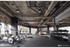 BOOM健身房_工業風設計個案—100裝潢網