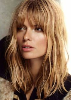 20 different long bob with bangs. lob haircut and hairstyles. best bob and lob hairstyles. fashionable bob hairstyle with… Long Bob With Bangs, Wavy Bangs, Blonde Hair With Bangs, Full Bangs, Lob Bangs, Messy Bangs, Wavy Lob, Blonde Wig, Lob Haircut