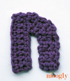 Free Patterns: the Moogly Lowercase Alphabet! Crochet Letters Pattern, Crochet Alphabet, Letter Patterns, Crochet Patterns, Moogly Crochet, Crochet Stitches, Free Crochet, Knit Crochet, Small Letters