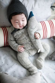 gah asian babies are so adorable! Fashion Kids, Baby Boy Fashion, Little Babies, Little Boys, Cute Babies, Cute Asian Babies, Korean Babies, Foto Baby, Baby Kind