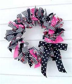 Polka Dot Rag Wreath/ cute for a little girl's room!