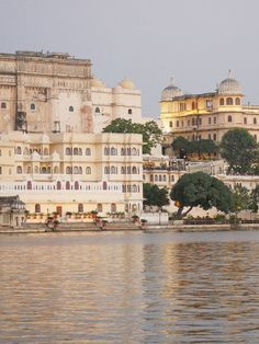 best boutique hotel in udaipur with a lake view