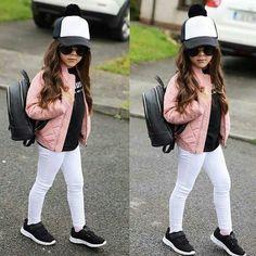 Me gusta, 14 comentarios - Shoutouts für Kindermode (The Trendy Kidz) en . Cute Kids Fashion, Tween Fashion, Little Girl Fashion, Toddler Fashion, Fashion Usa, Fashion Children, Jeans Fashion, Fashion Hair, Fashion Dolls