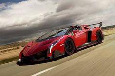 Verdens dyreste sportsvogn lige nu er Lamborghini Veneno Roadster. Den koster 31,2 mio. kr. Uden dansk afgift.