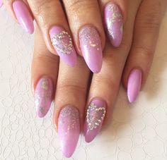 oval pink acrylics
