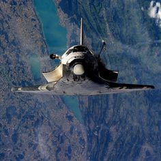 Nasa Space Shuttle Discovery flies over Biel, Neuchatel, Murten and Fribourg in Switzerland, 2005 - Photo - Air Space, Deep Space, Nasa Spacex, Nasa Space Program, Space And Astronomy, Hubble Space, Astronomy Science, Neil Armstrong, Nasa Astronauts