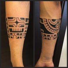 WEBSTA @ larobyzirpoli - Marquesan bracelet @wallacetattooshop #marcowallace #wallacetattooshop #pacific #tattoolifemagazine #polynesian #polynesiantattoo #tribaltattoo #tattooculturemagazine #tribaltattooers  #freehand #milano #tattoomilano #marquesan #marquesantattoo