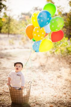 Going Up? Up Inspired Baby Shoot!- I cannot get enough of these hot air balloon inspired photos!