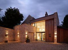 The Fosse, en Bath: una antigua villa se reinventa en una moderna casa de campo por Designscape