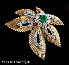 VAN CLEEF & ARPELS Diamond Emerald Leaf Pin -