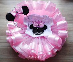 ratón de Minnie rosa traje niño mameluco del ratón de minnie Baby Girl Birthday Outfit, Minnie Mouse Birthday Outfit, Minnie Mouse Pink, Baby Girl First Birthday, Mickey Minnie Mouse, Minnie Mouse Costume Toddler, Baby Pink Clothes, Ribbon Tutu, Birthday Outfits