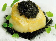 Avec les lectrices reporter de Femme Actuelle, découvrez les recettes de cuisine des internautes : Saint-Jacques, risotto et caviar de Philippe Etchebest