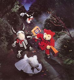 Muffy Vanderbear Foolish Ghoulish Shame what they did to that dog. Bat Costume, Ghost Costumes, Big Dresses, 90s Childhood, Love Bear, 90s Kids, Old Friends, To My Daughter, Nostalgia