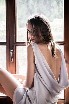 Camisón de seda con espalda baja hecho a mano por Pol Nuñez #Lenceria #brides #modamujer