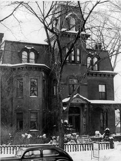 Red Cross House at 199 S. Plymouth Ave. in 1943.