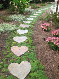 Garden Stones, Garden Paths, Garden Art, Garden Landscaping, Home And Garden, Garden Paving, Landscaping Ideas, Jolie Photo, Stepping Stones