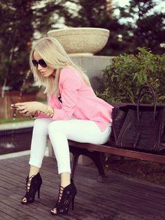 Pink blazer, white pants, stilettos. So chic! Street style