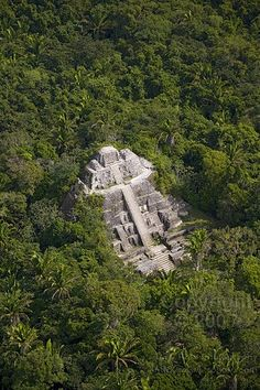 Lamanai Mayan Ruins, Belize! I really want to go here too! I love Myan and Incan history!