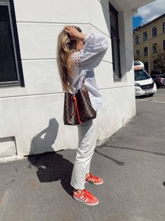 ELLE O Town, All White, Zara, Hipster, Adidas, Jeans, Instagram, Style, Fashion