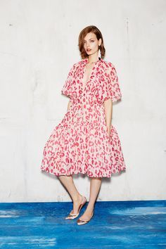 See the complete Paule Ka Resort 2017 collection.