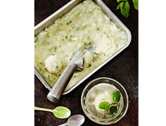 Frisk og god sitronsorbet, perfekt og lettlaget dessert